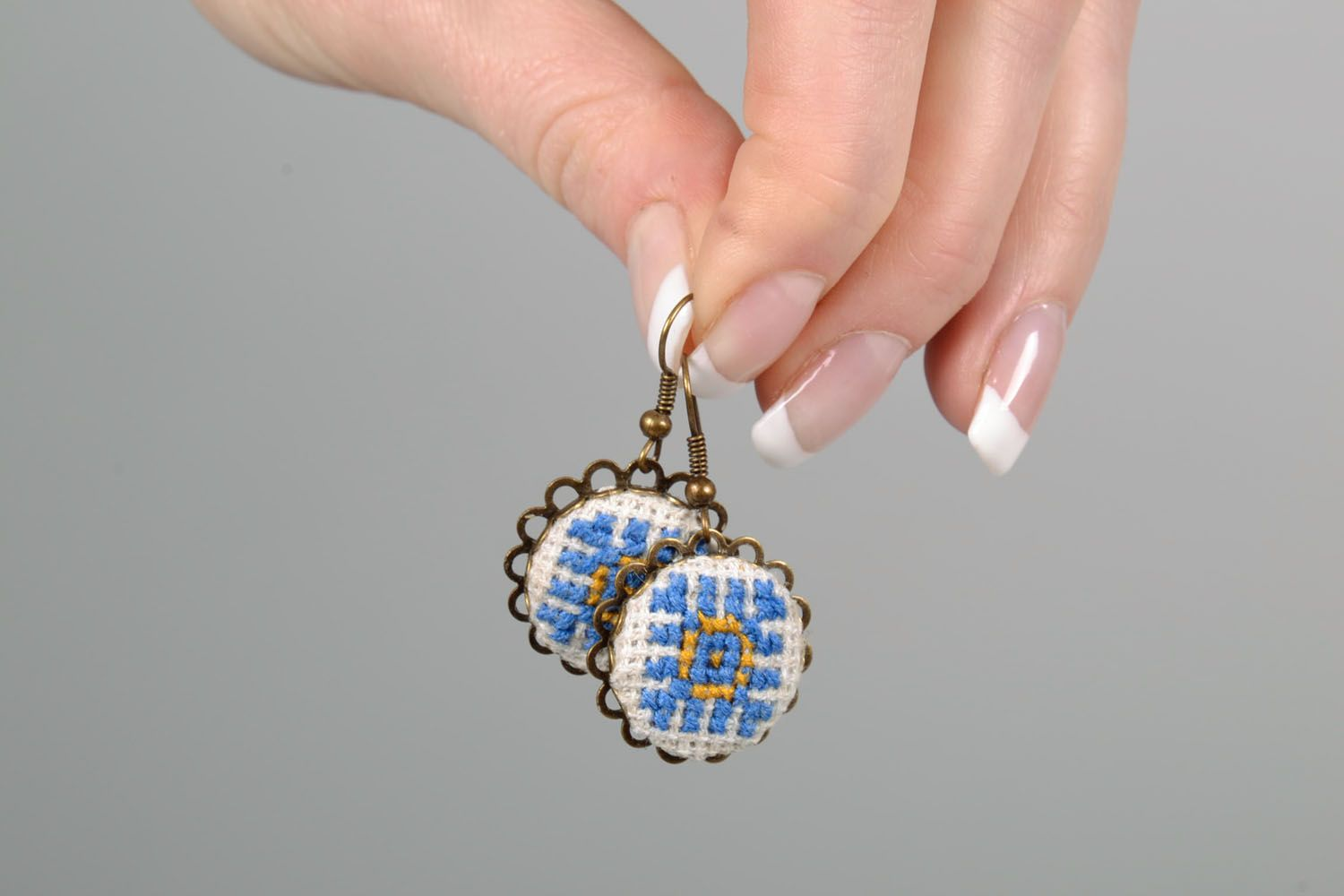Pendant earrings with embroidery photo 5