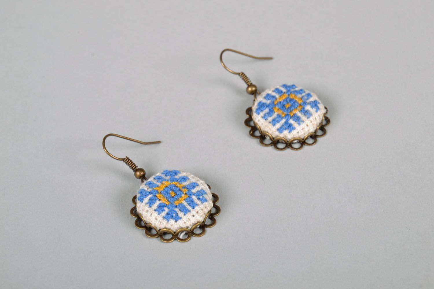 Pendant earrings with embroidery photo 4