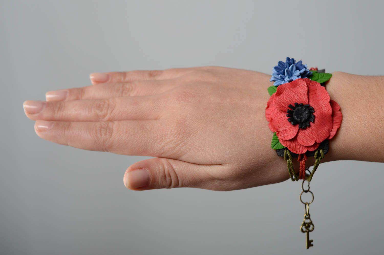 Наручный браслет с подвесками из полимерной глины фото 5