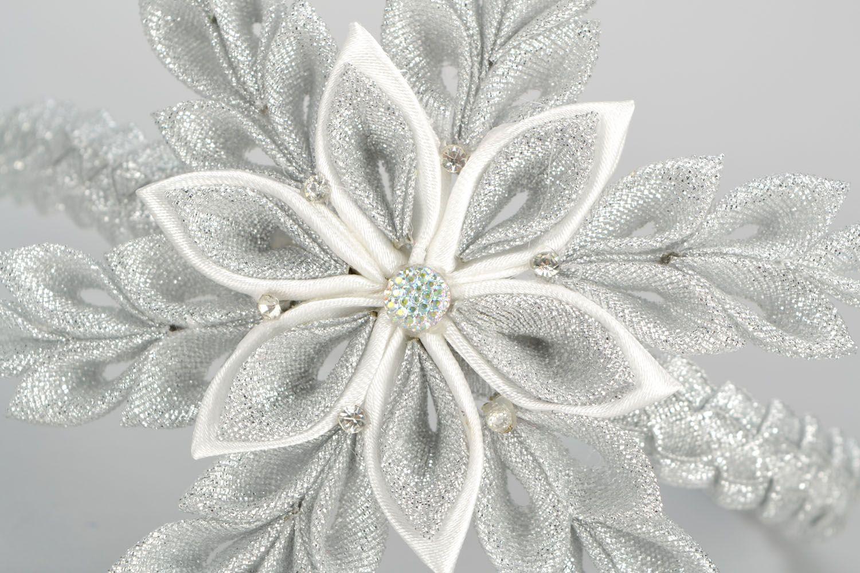 Headband with snow-white flower photo 5