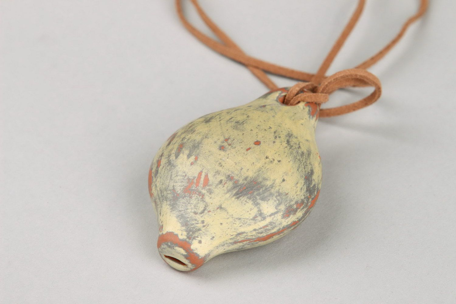 Ceramic pendant in the form of tin whistle photo 3