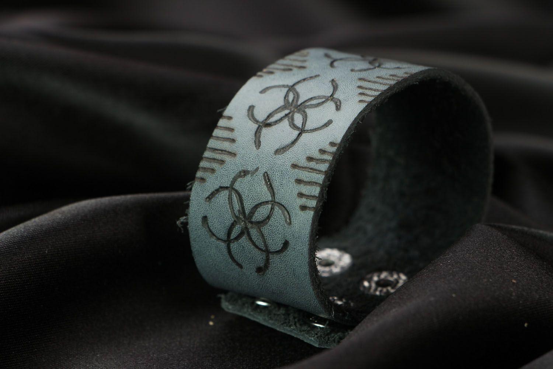 Wide leather bracelet photo 2
