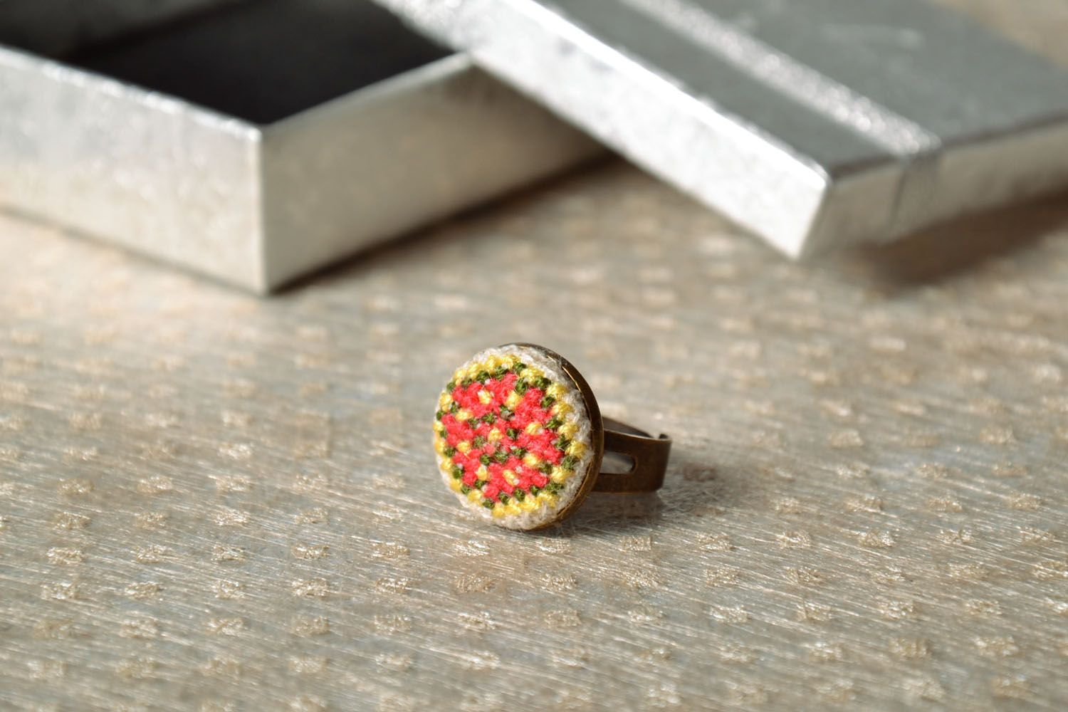Women's seal ring with embroidery photo 1
