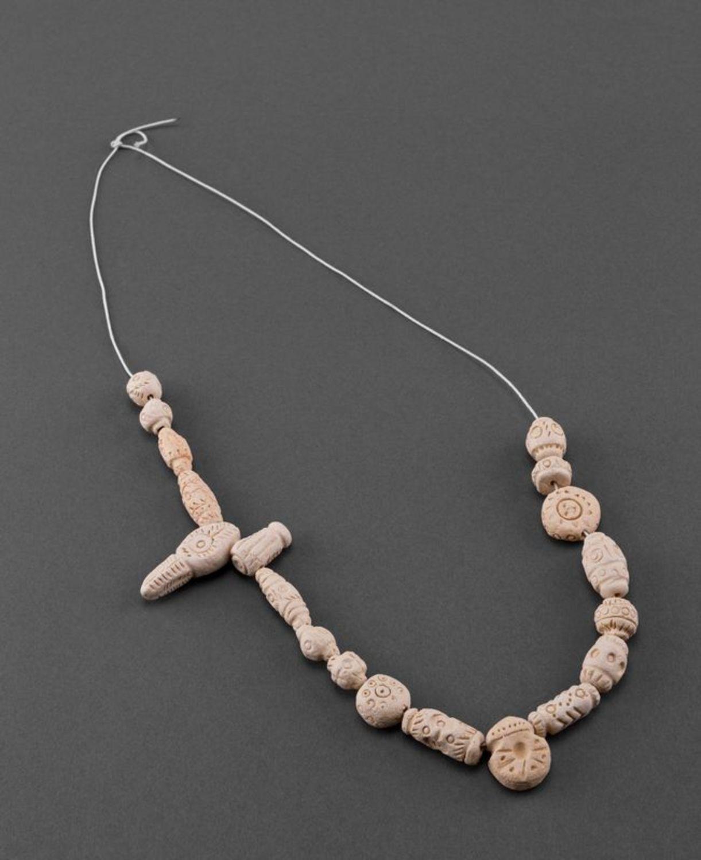 Ceramic necklace photo 1