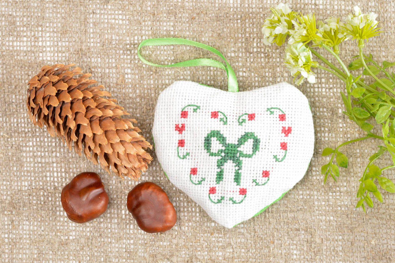Handmade cute soft hanging unusual aromatized heart stylish pincusion photo 1