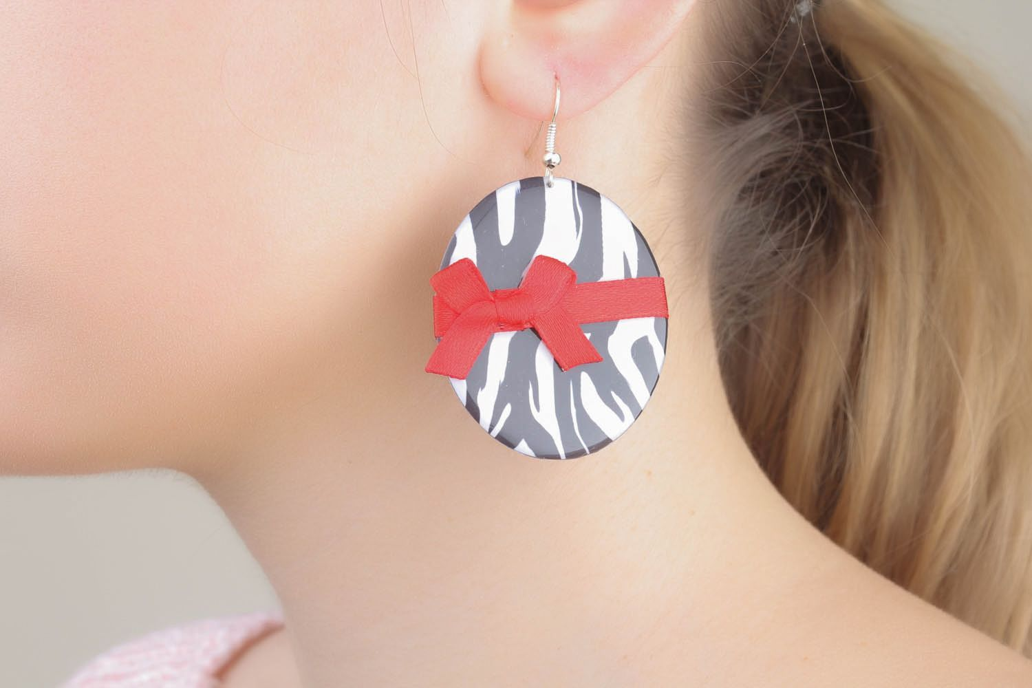 Earrings with bows photo 1