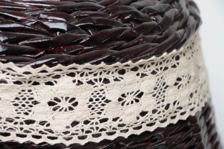 madeheart corbeille pain avec couvercle en osier de papier faite main fonc e design. Black Bedroom Furniture Sets. Home Design Ideas