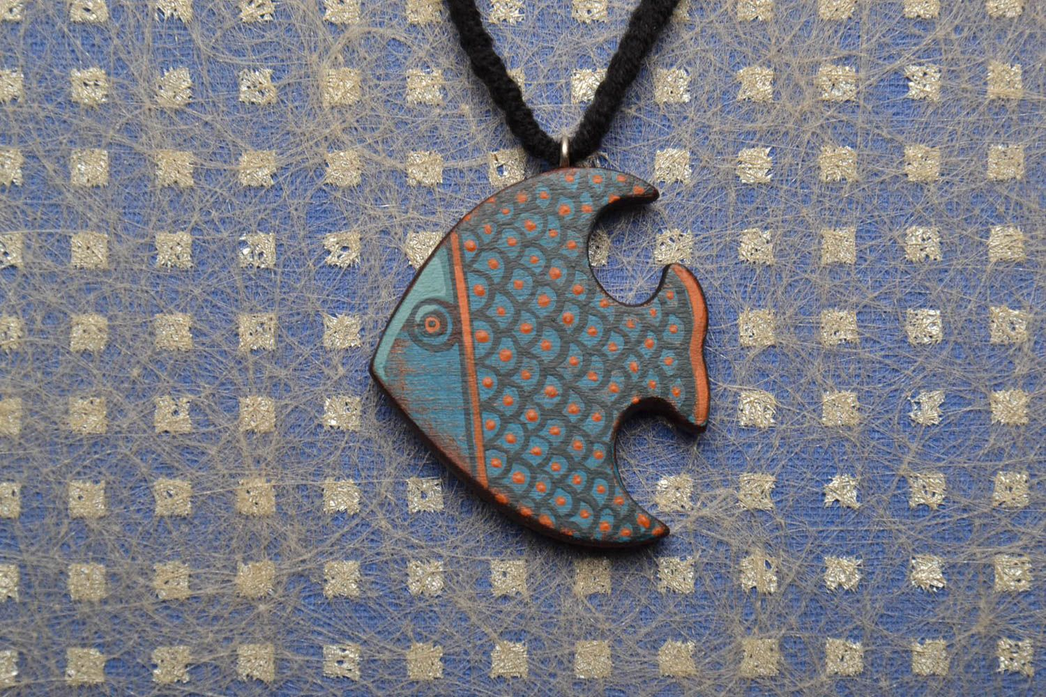 Wooden pendant Fish photo 1