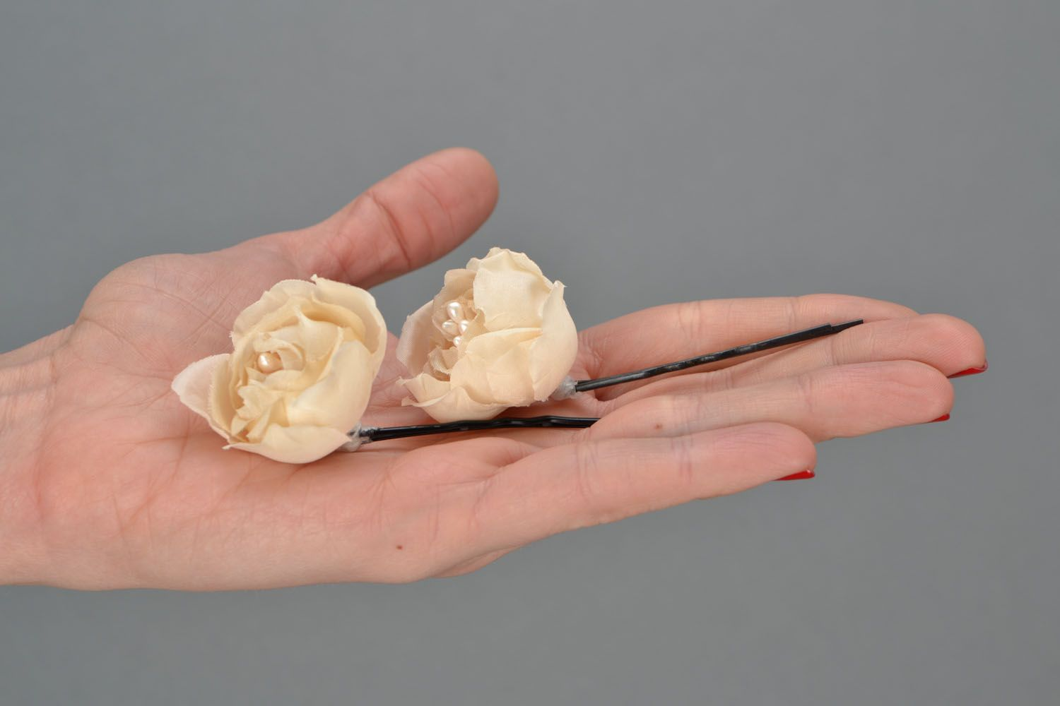 Hair pins with flowers Creamy Dreams photo 2