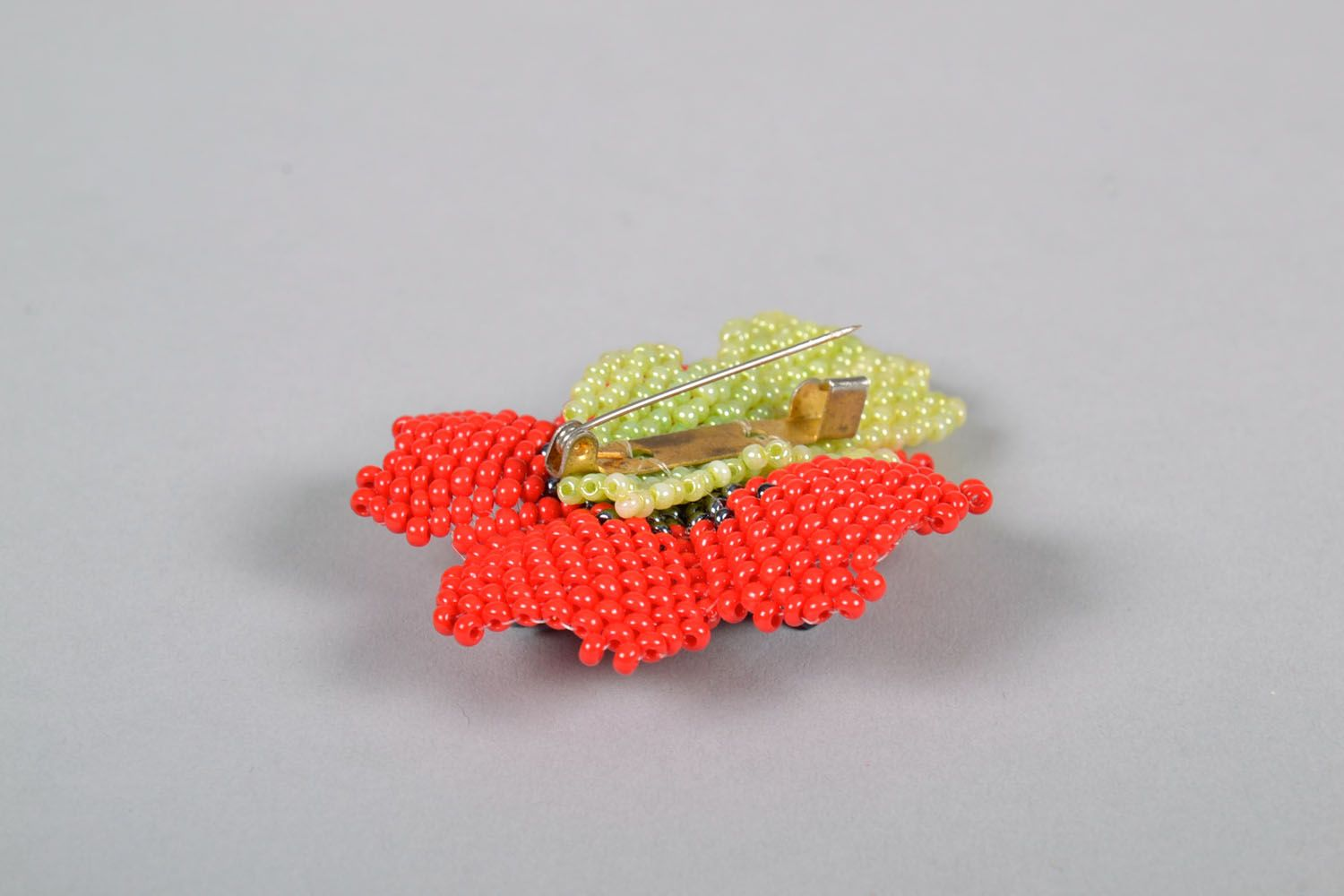 Beaded brooch in the shape of a flower photo 4