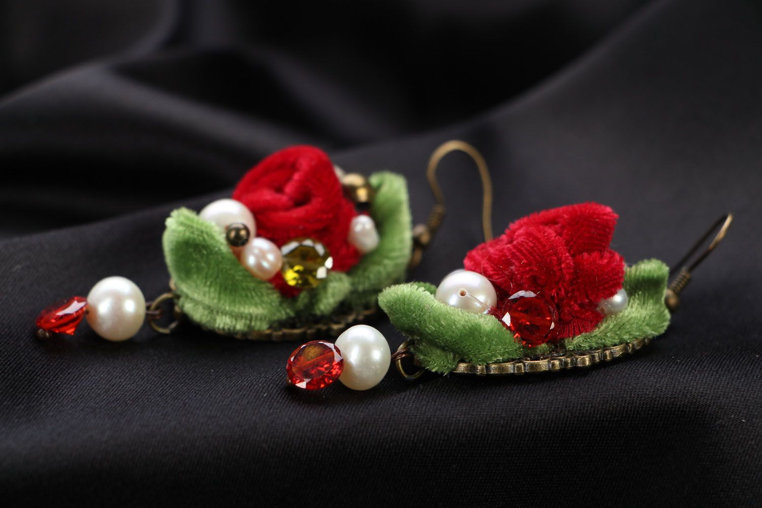 Velvet flower earrings photo 2