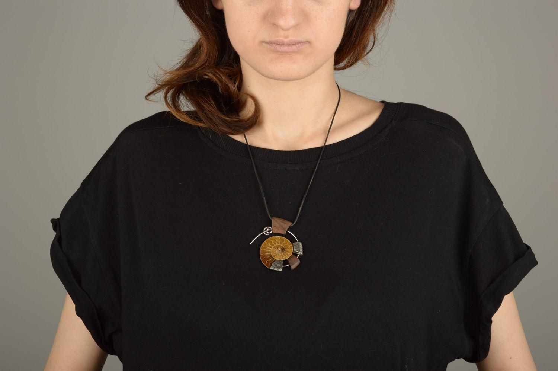 712367d71f84 colgantes Colgante redondo de madera hecho a mano adorno para el cuello  bisutería de mujer -