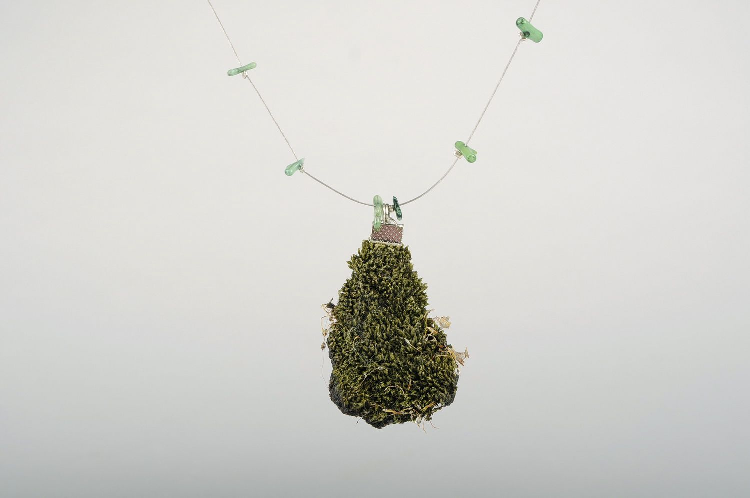 Pendant made of natural moss photo 1