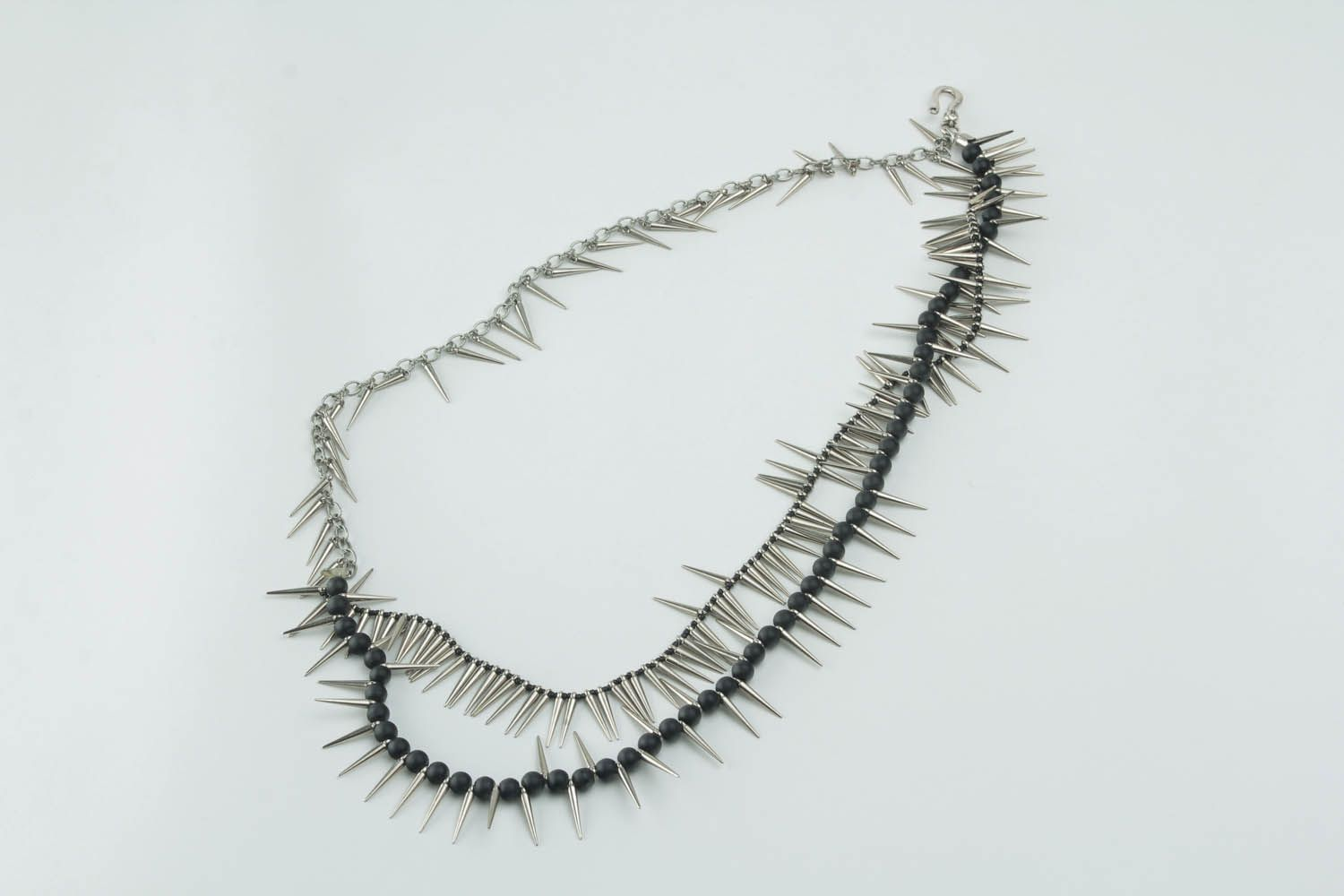 Unique metal necklace with spikes photo 4