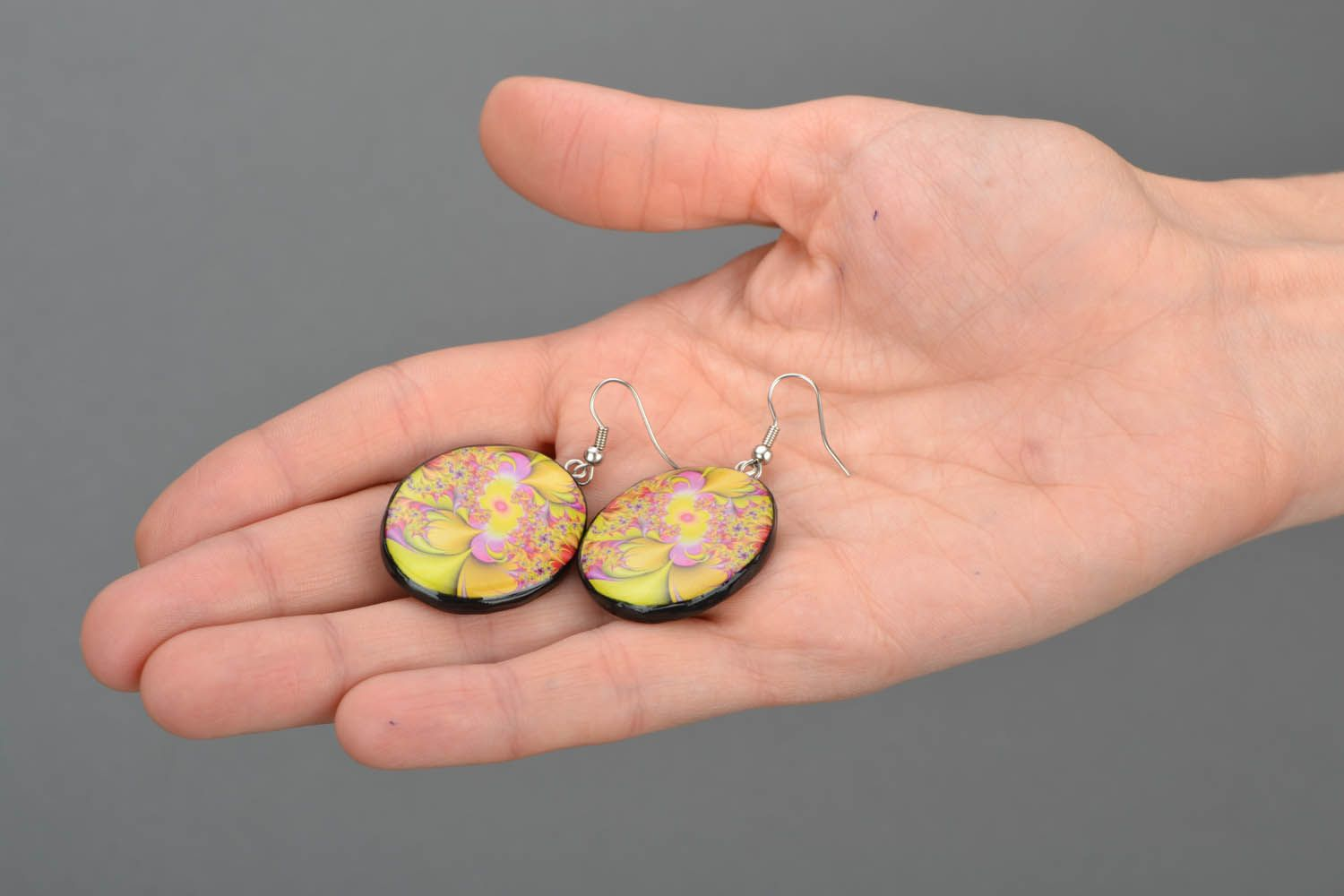 Round designer earrings  photo 2
