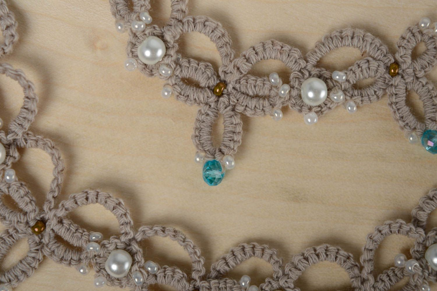 Woven beaded necklace photo 3