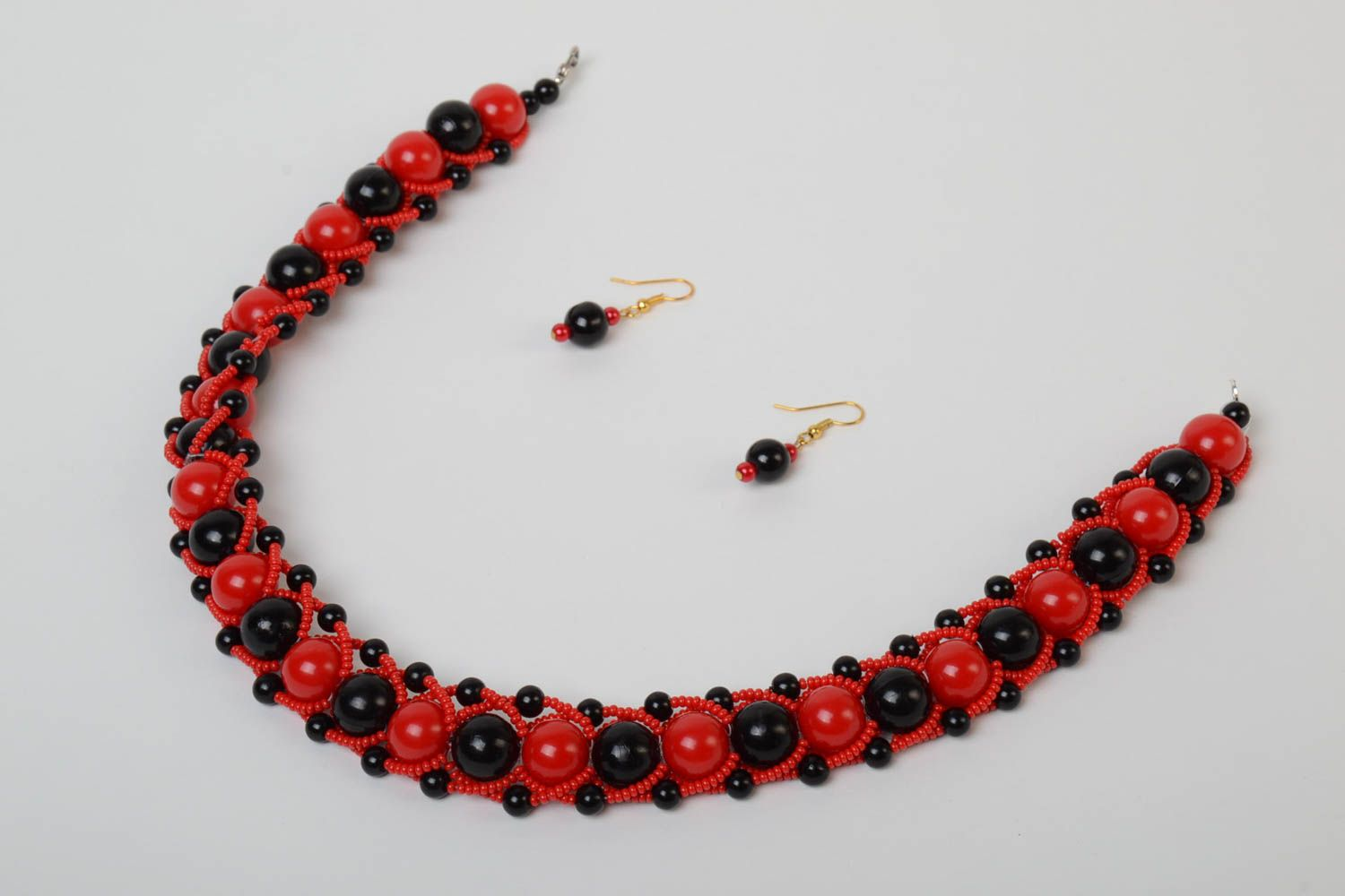 Red and black handmade designer beaded jewelry set 2 pieces unusual earrings and necklace photo 5