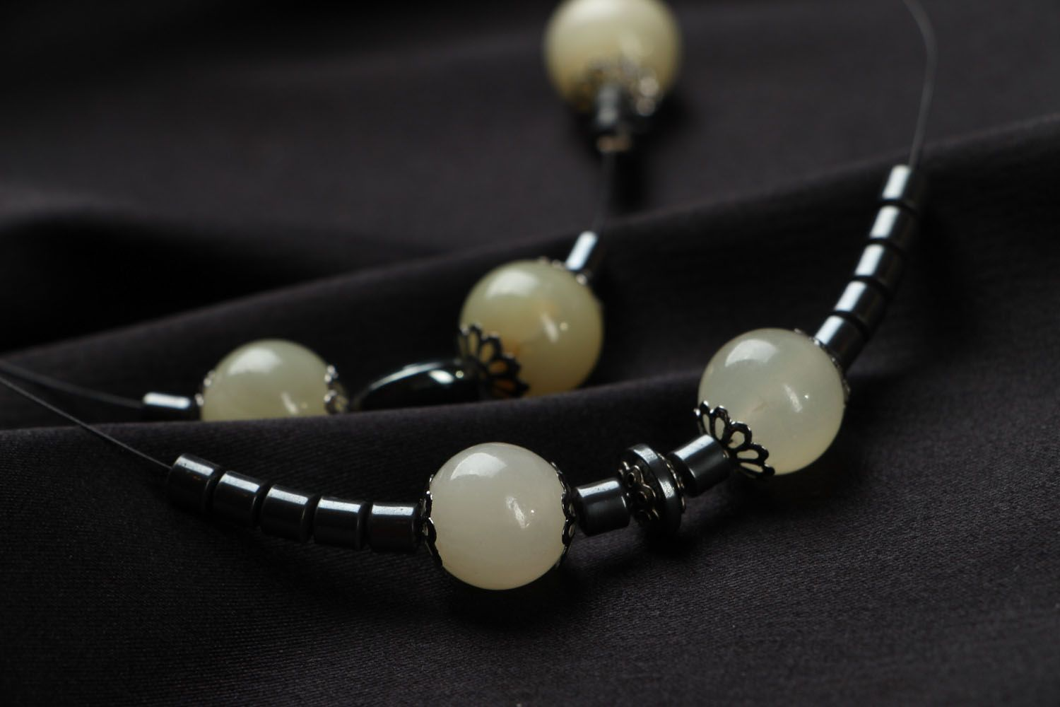 Necklace made of onyx and hematite photo 3