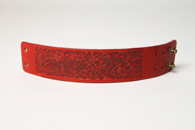 Браслет ручной работы браслет из кожи красный с тиснением дизайнерское украшение фото 4