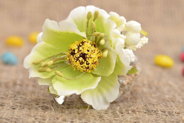 Small handmade designer children's textile flower hair clip on metal basis photo 1