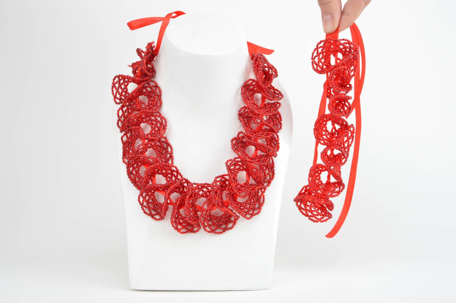 Set of handmade red bead woven jewelry 2 items wrist bracelet and necklace photo 3