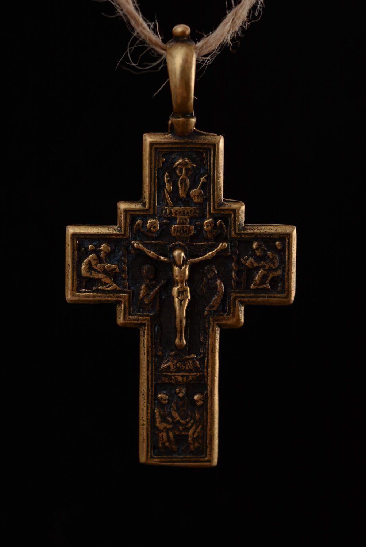 Kruzifix Anhänger aus Metall foto 3