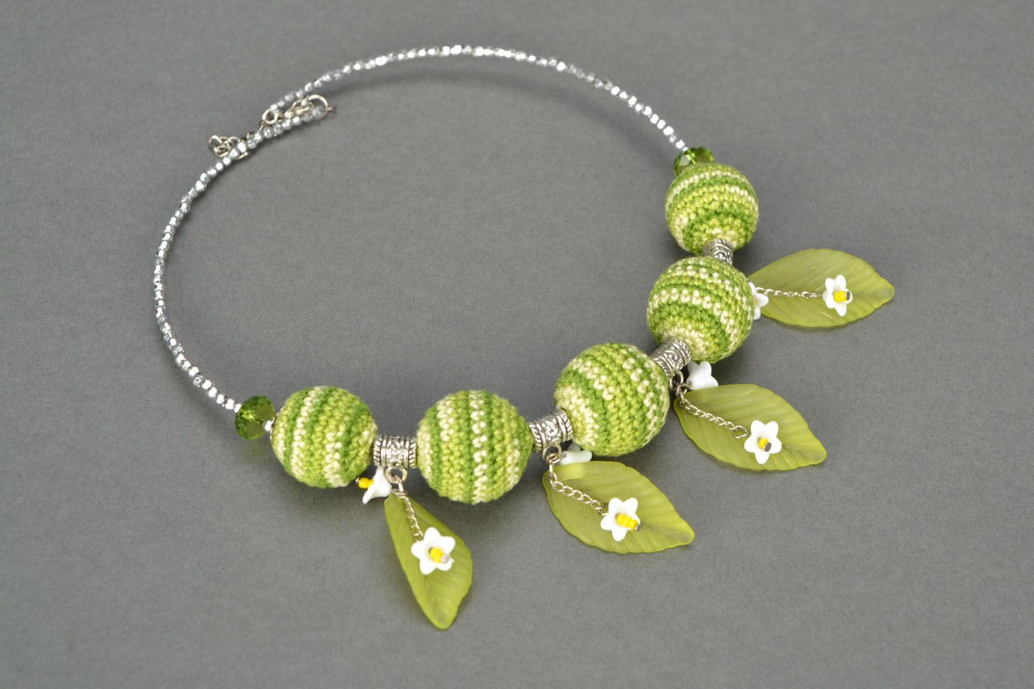Necklace with crocheted round beads photo 1