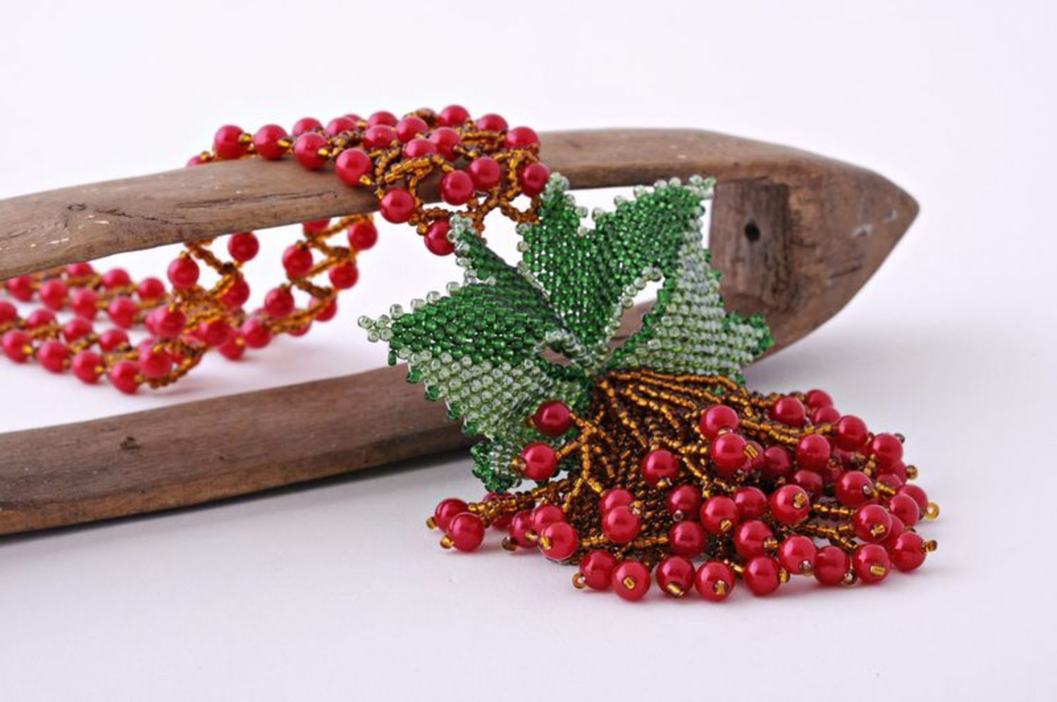 Beaded Necklace Guelder-Rose photo 2