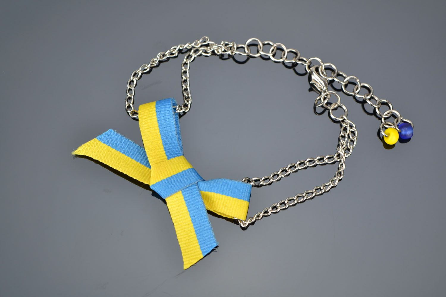 Homemade necklace with ribbon bow photo 1