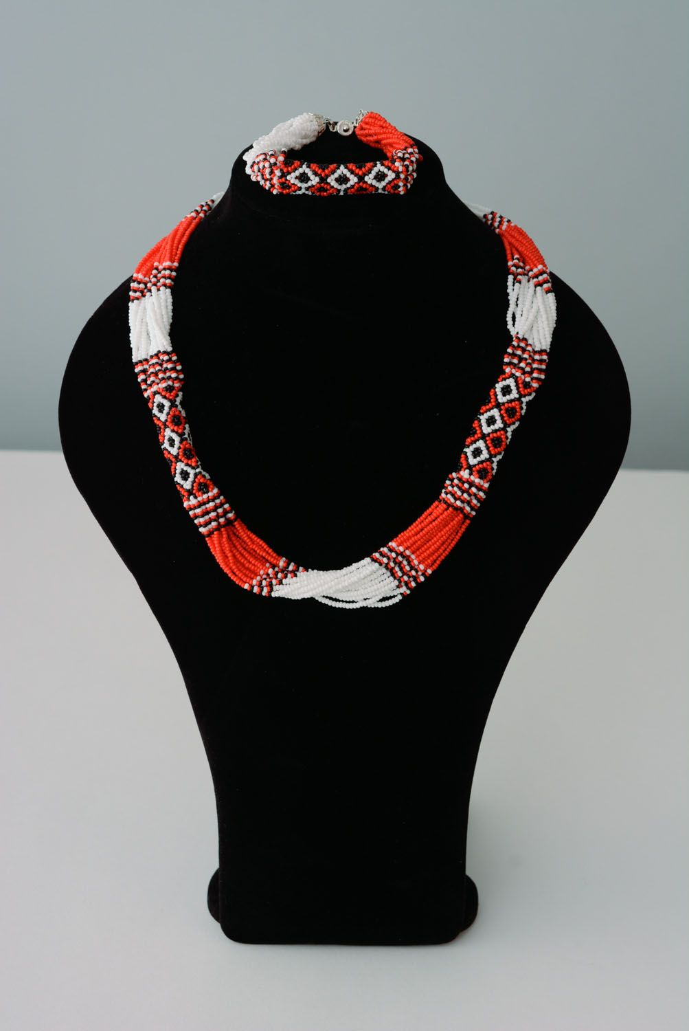 jewelry sets Beaded necklace and bracelet in ethnic style - MADEheart.com