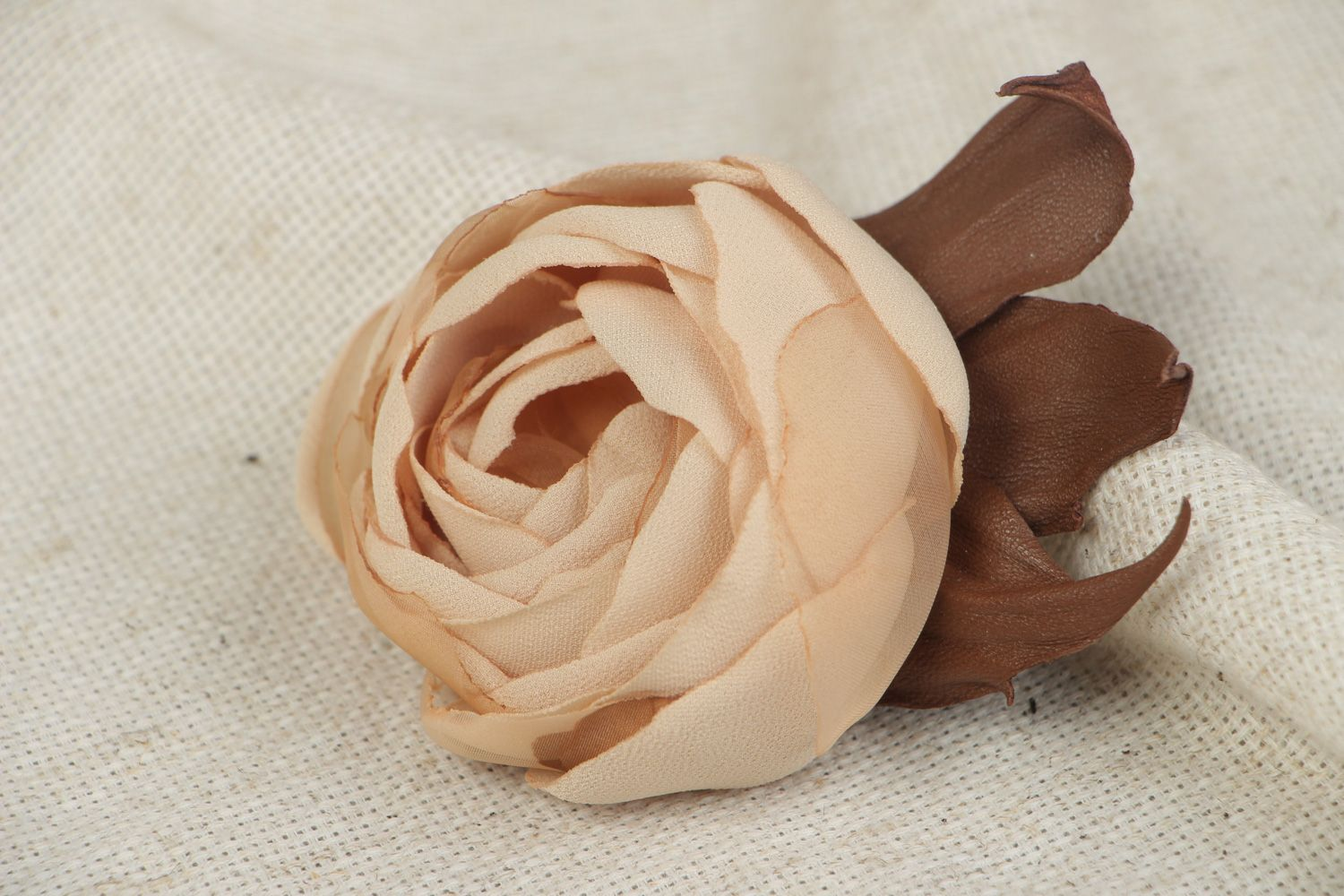Large beautiful beige brooch hand made of genuine leather and chiffon Rose photo 5
