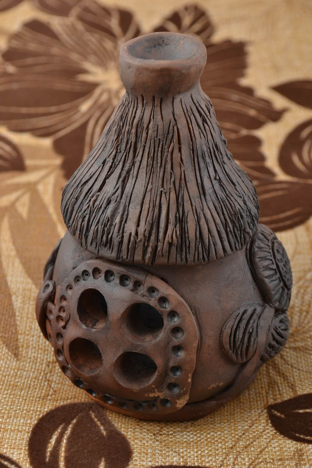 Clay oil burner in the form of brown house small handmade interior decor ideas photo 1