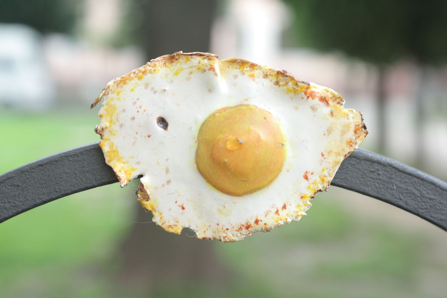 Homemade fridge magnet in the shape of fried eggs photo 1