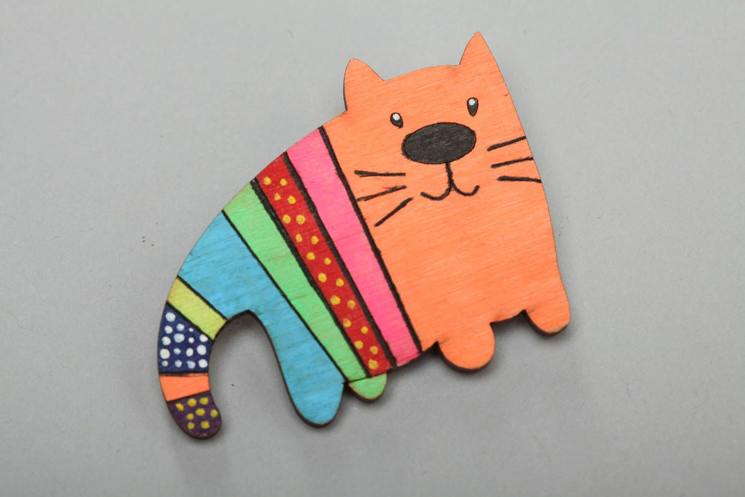 Plywood painted acrylic brooch in the form of bright cat handmade accessory photo 2
