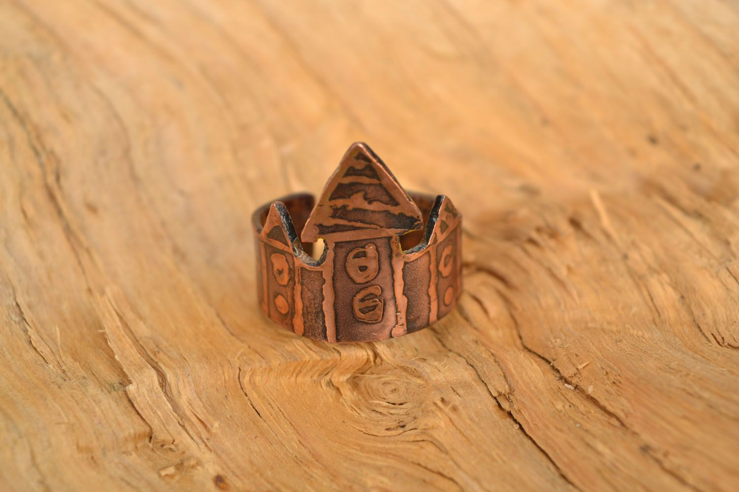 Copper ring Houses photo 1