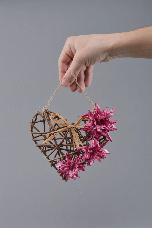 Madeheart colgante de mimbre de papel con flores - Papel para puertas ...