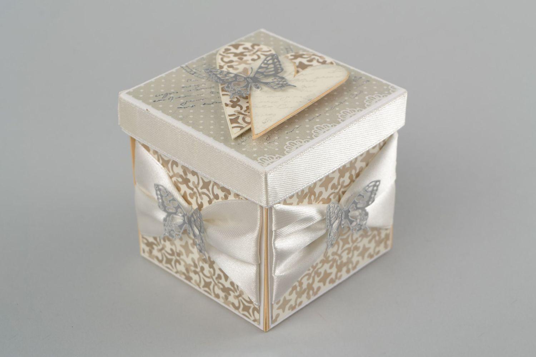 Envoltura de regalos originales envoltura de regalos for Como hacer cajas para regalos de boda