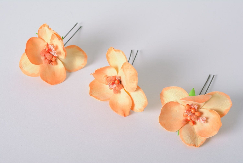 Цветы из фоамирана на шпильках своими руками