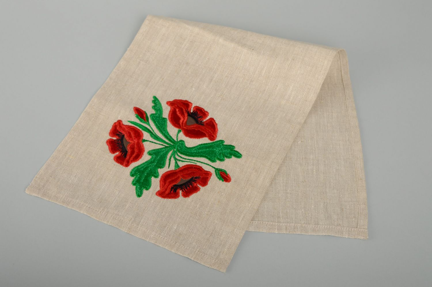 textiles and carpets Napkin table runner with embroidery - MADEheart.com