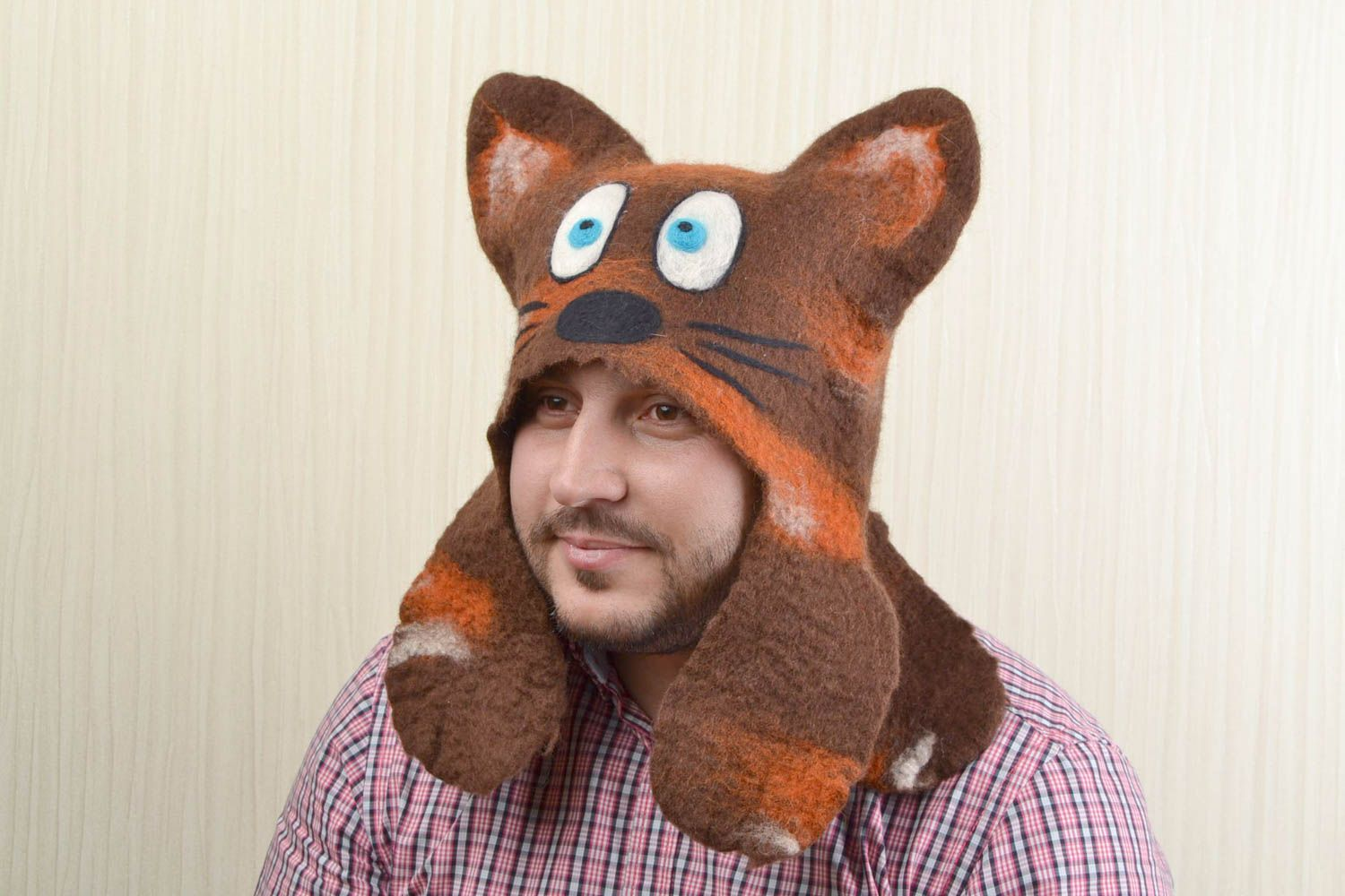 Handmade hat for sauna and steam bath made of natural wool funny cat photo 2