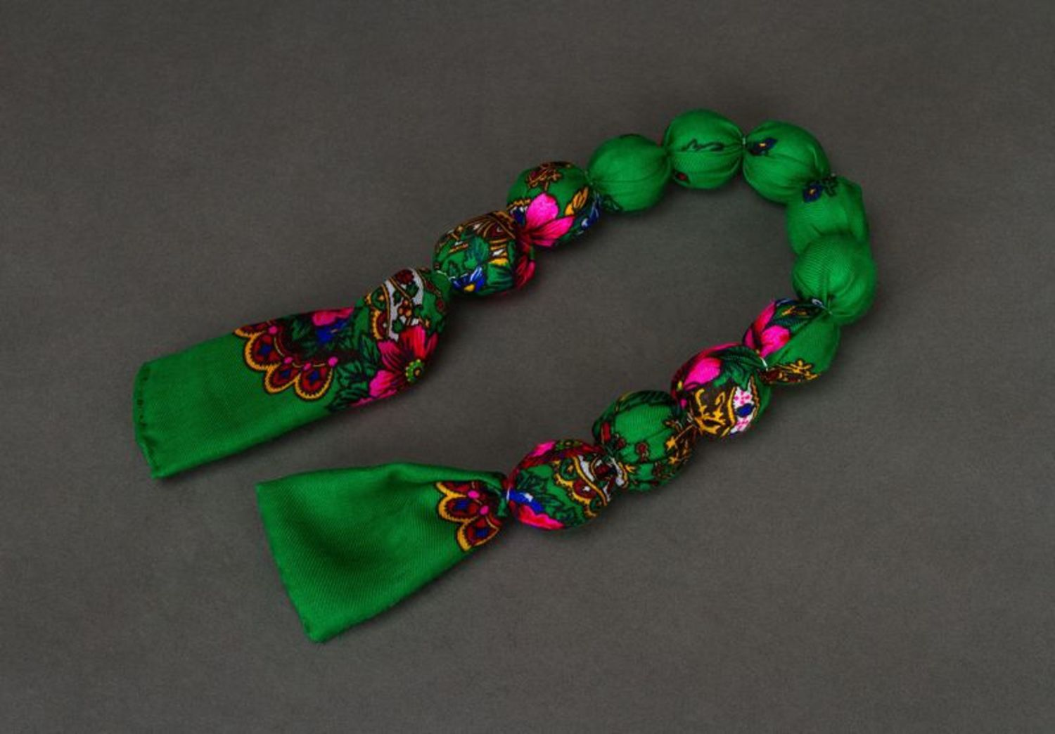 Bead necklace in ethnic style photo 3