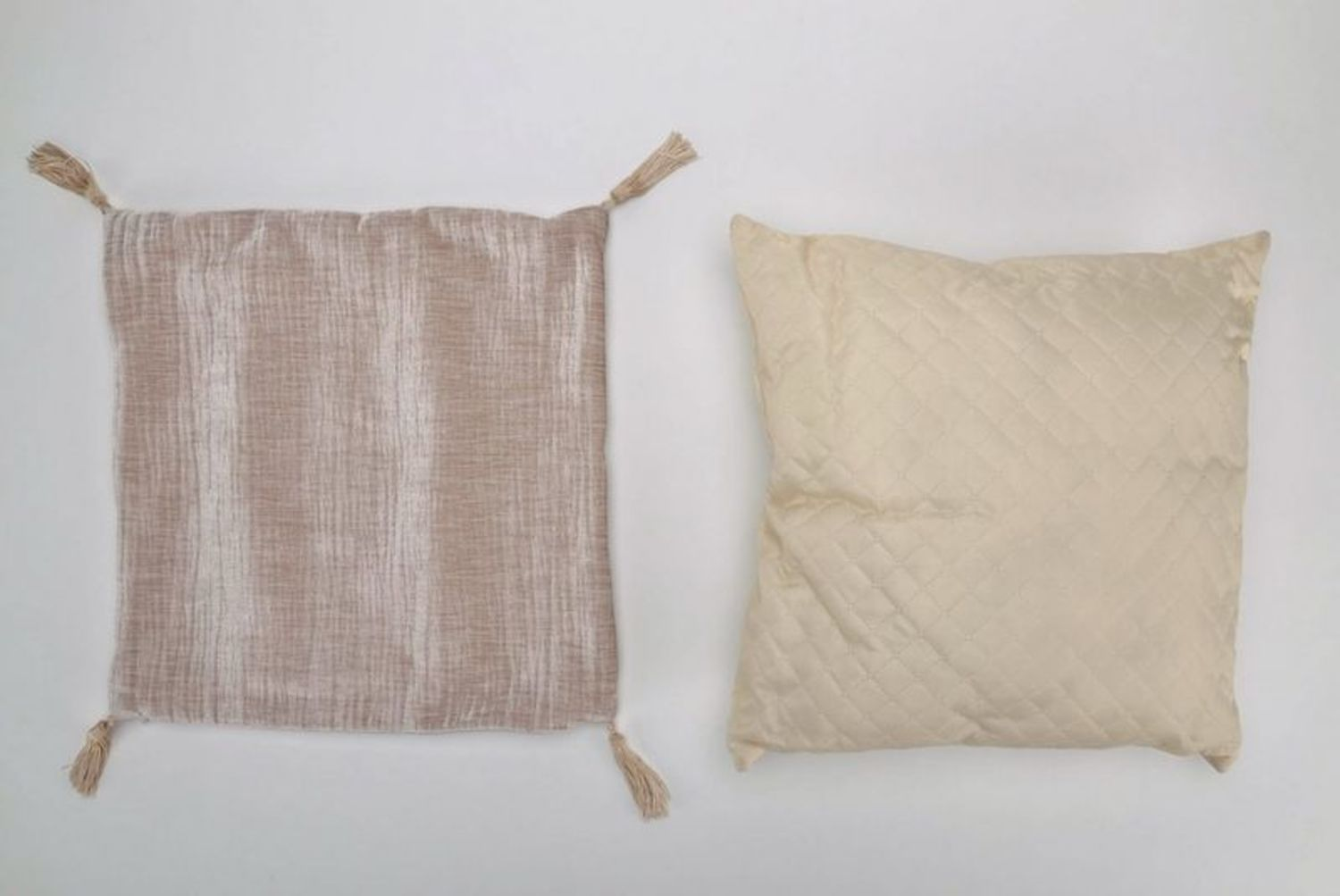 Pillow made from cotton and synthetic down, with tassels photo 3