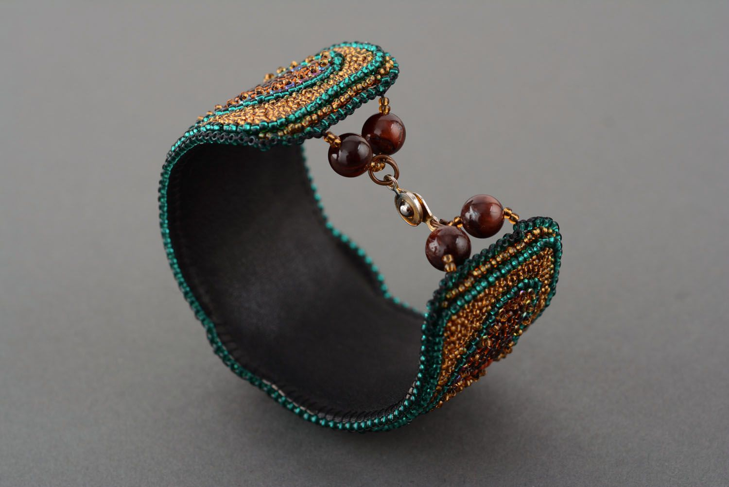 Beaded bracelet with natural stone photo 4