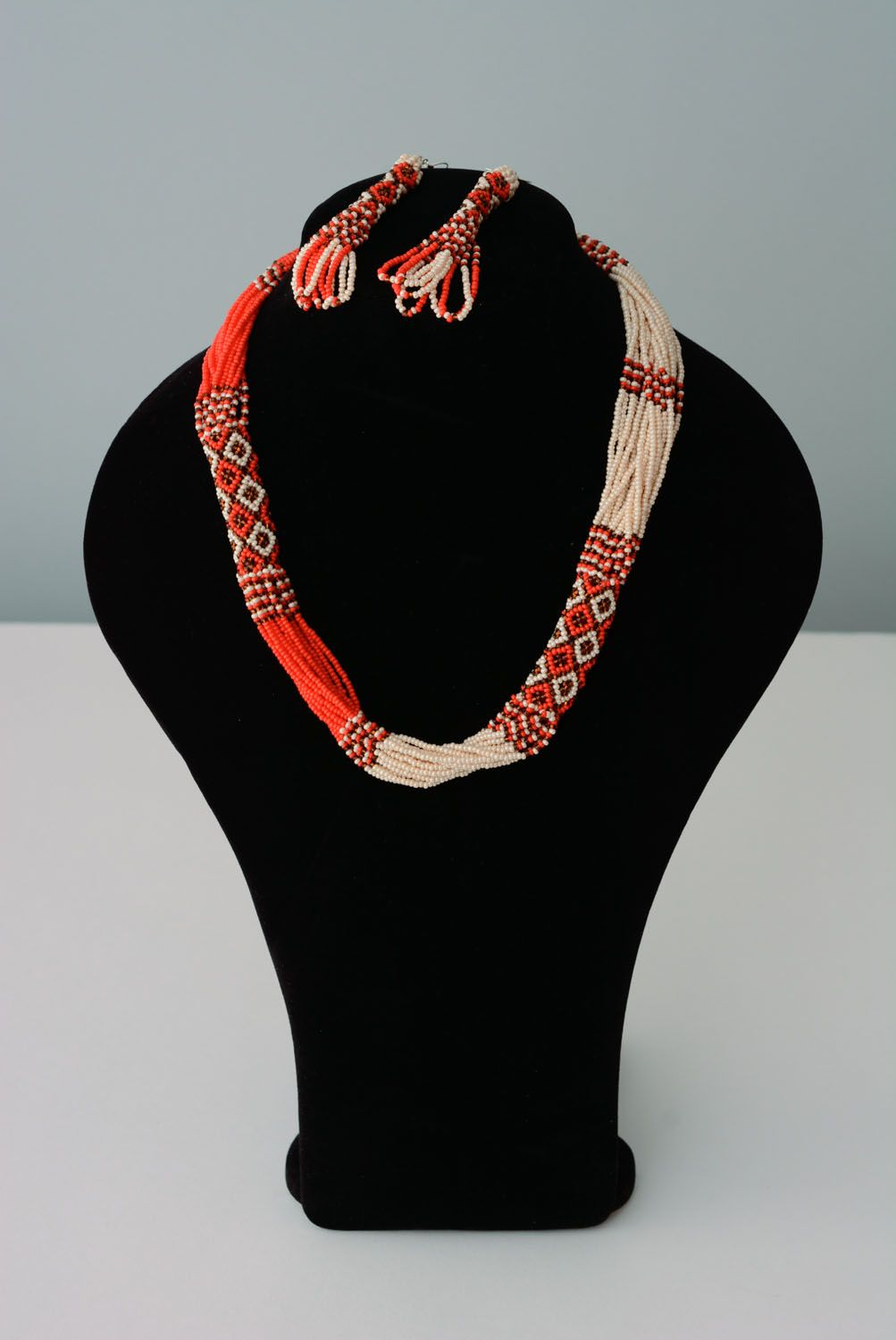 Homemade beaded jewelry set photo 1