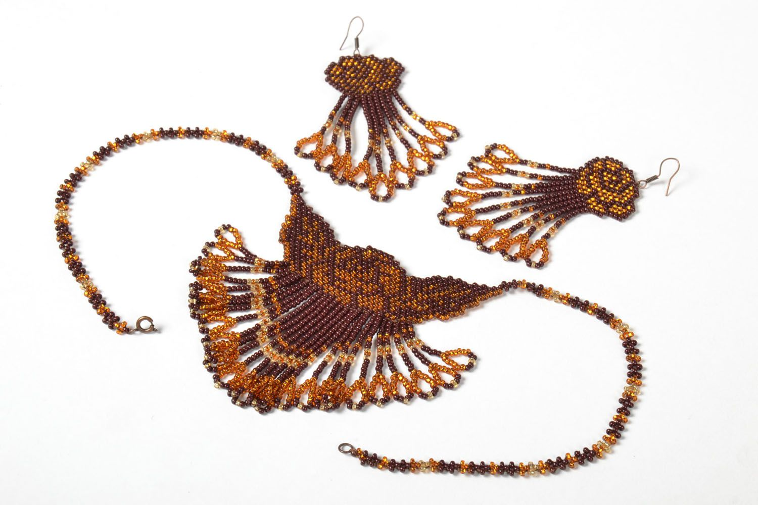 Beaded earrings and necklace photo 4