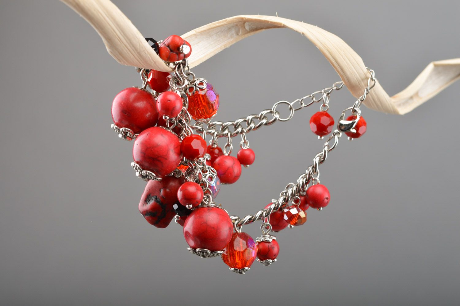 Handmade red thin wrist bracelet on chain with turquoise beads photo 3