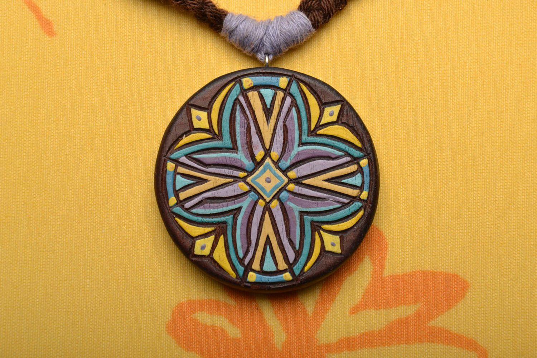 Round wooden pendant photo 1