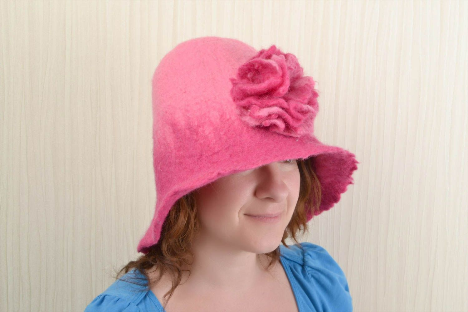 Pink handmade hat for sauna made of natural wool wet felting technique photo 2
