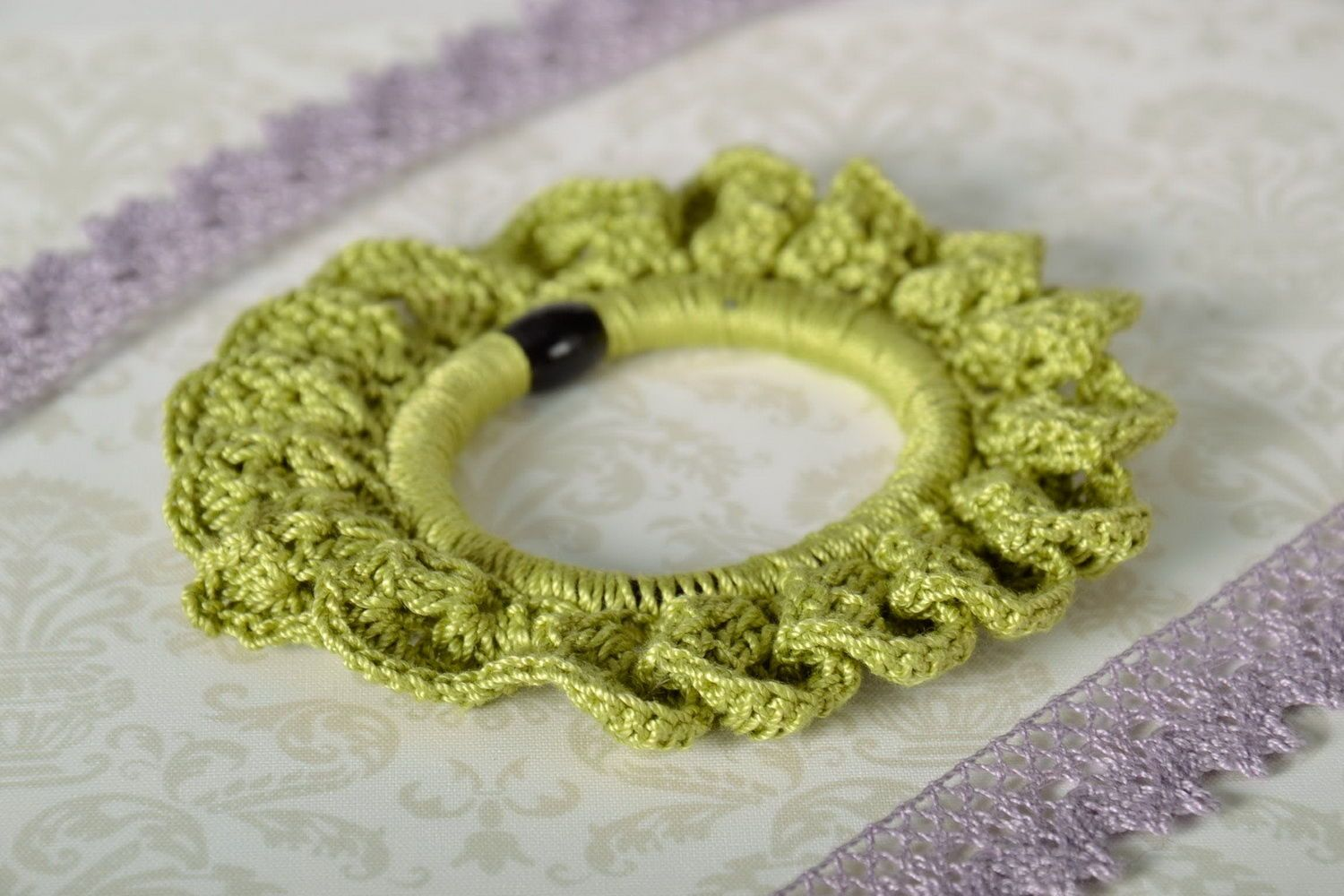 scrunchies Scrunchy tied around with cotton threads - MADEheart.com