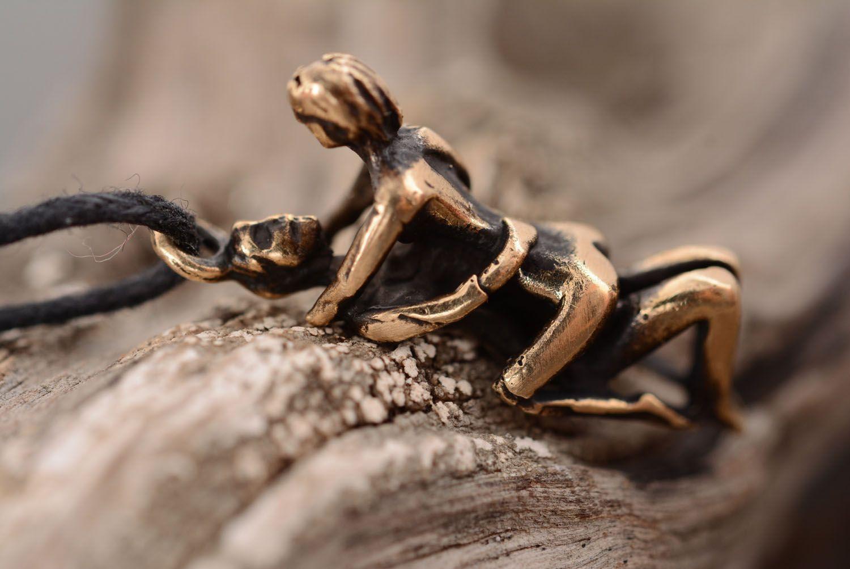 Оригинальный кулон из бронзы Камасутра фото 3